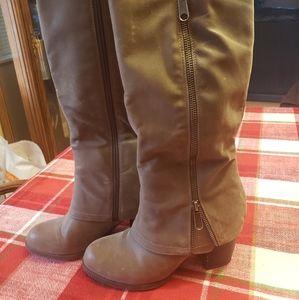 Women's Fergalicious Heeled Boots Sz 6.5